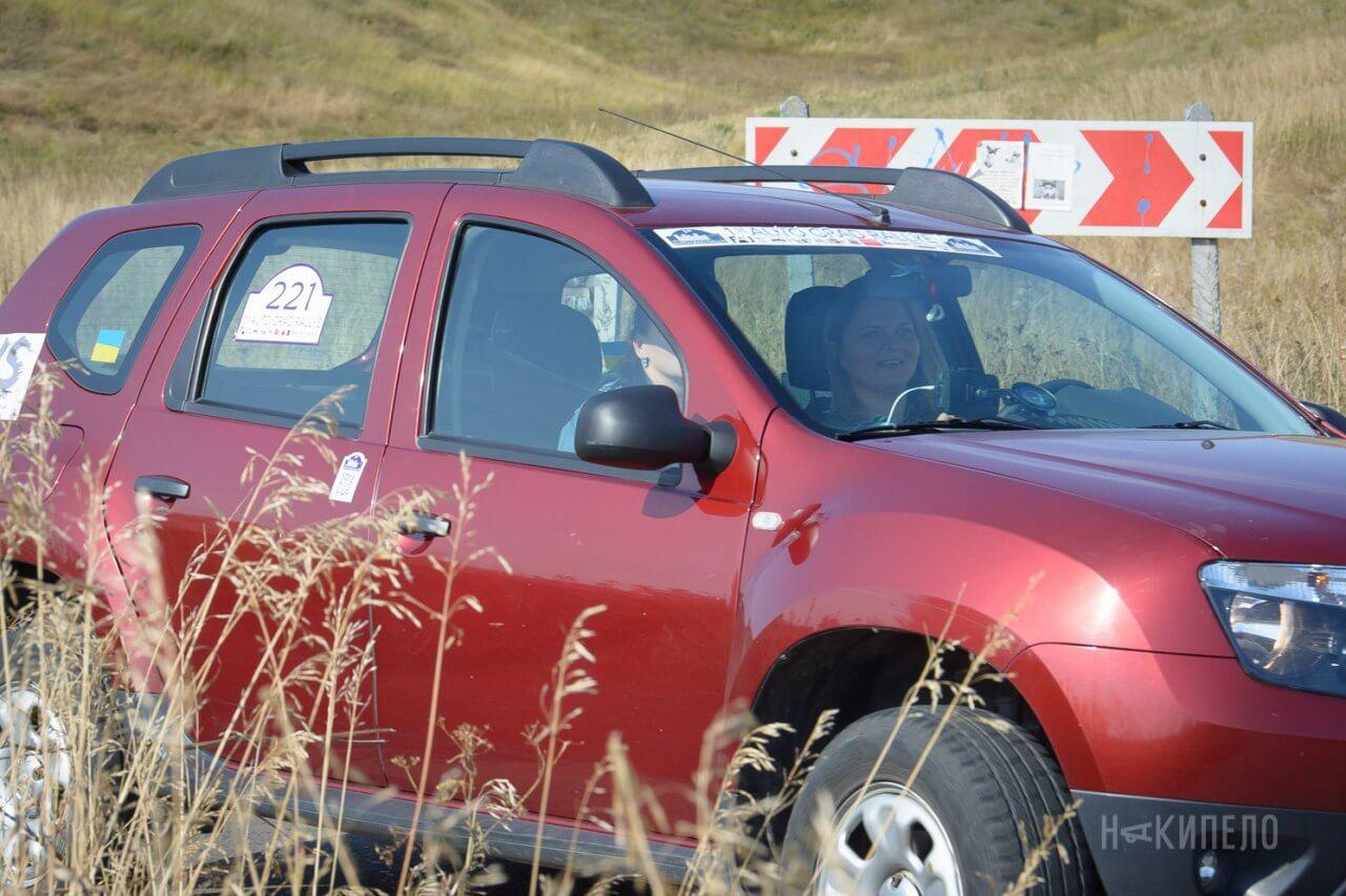 Водитель: Карина Сероклин<br/>Штурман: Юлия Беляева<br/>Машина: Renault Duster (2014г., 1461см³)<br/>Класс: N4<br/>Стартовый №: 421