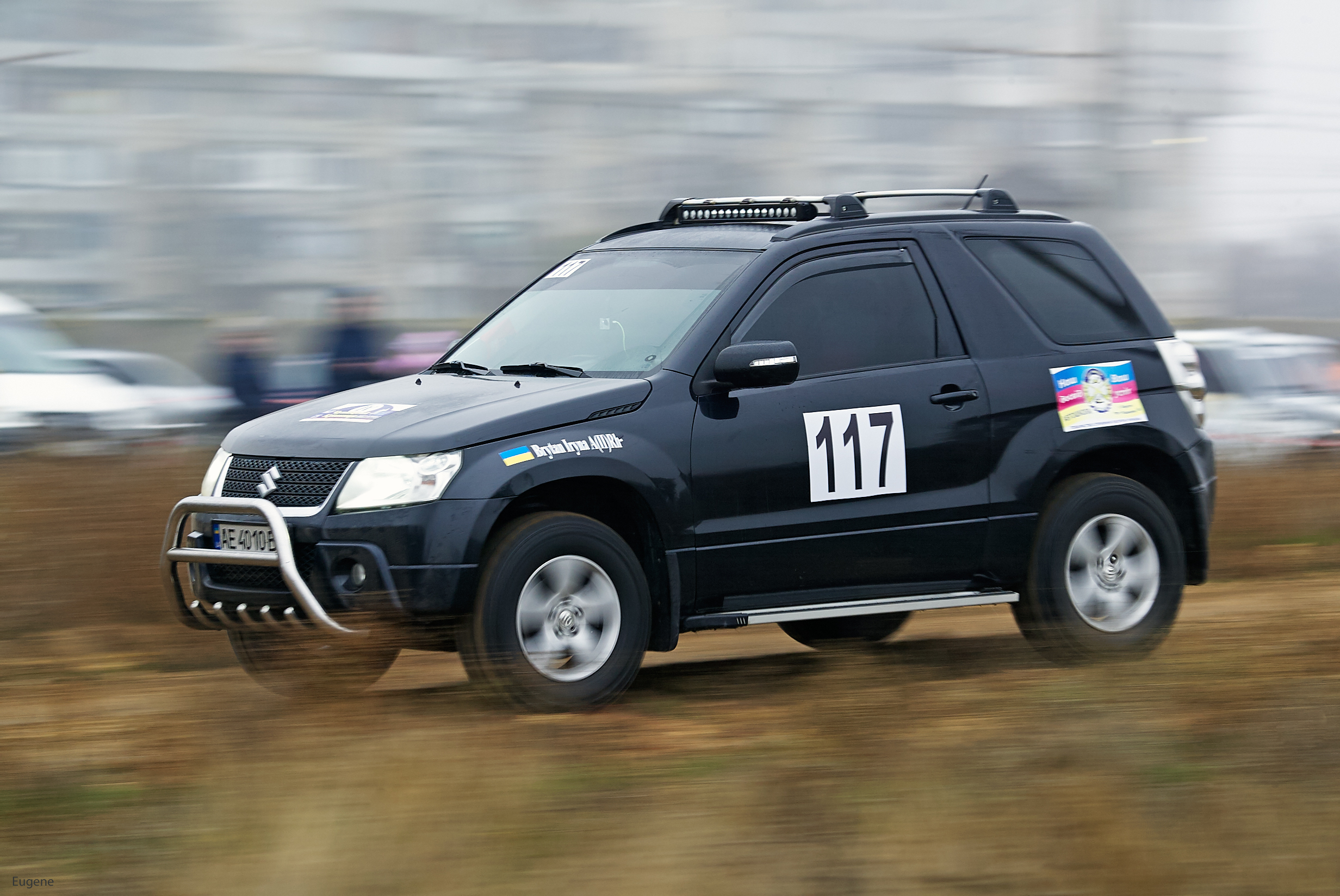 Водитель: Британ Ірина<br/>Штурман: Ліманчук Евген<br/>Машина: Suzuki Grand Vitara (2009г., 2400см³)<br/>Класс: N4<br/>Стартовый №: 411
