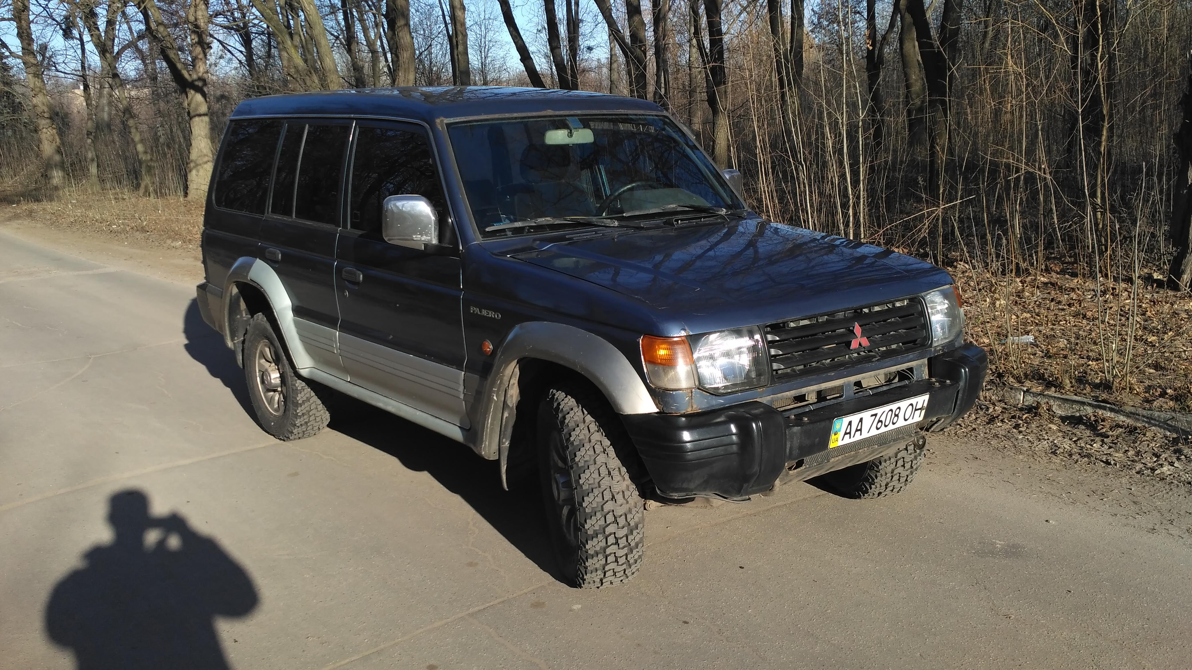 Водитель: Серик Илья<br/>Штурман: на регистрации<br/>Машина: Mitsubishi Pajero wagon II (1993г., 2500см³)<br/>Класс: N4<br/>Стартовый №: 413