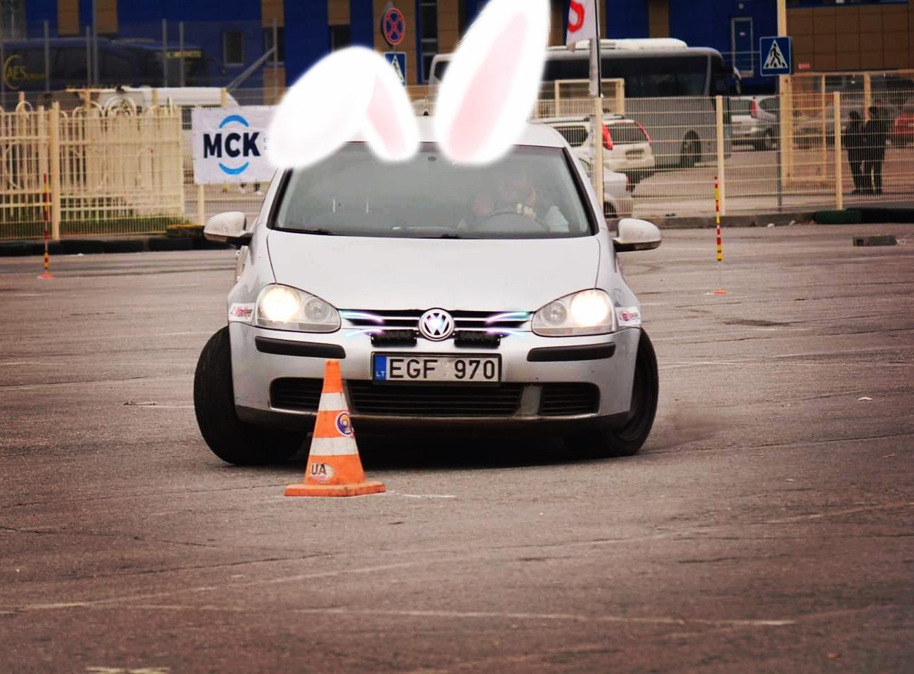 Водитель: Греул Дмитрий<br/>Штурман: на регистрации<br/>Машина: WV Rabbit (2008г., 2498см³)<br/>Класс: N4