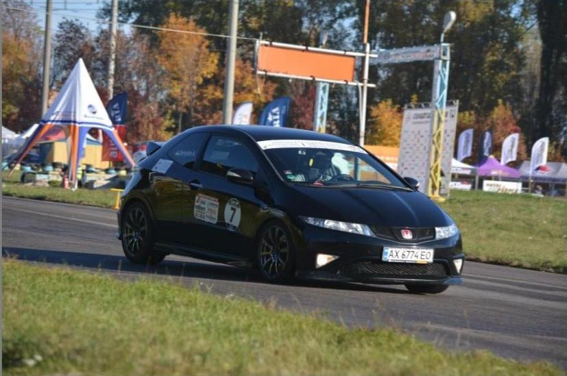 Водитель: Демидов Антон<br/>Штурман: Бєляєва Юлія<br/>Машина: Honda Civic (2008г., 1998см³)<br/>Класс: N4